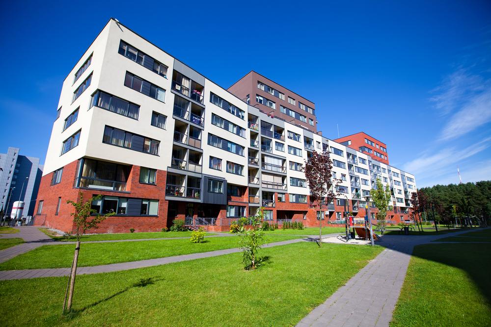 賃貸中のマンションを売る時、入居・在居中と空室ではどちらが高く売れるのか?